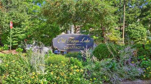 $389,000 - 1Br/1Ba -  for Sale in Old Farm Lake, New Castle
