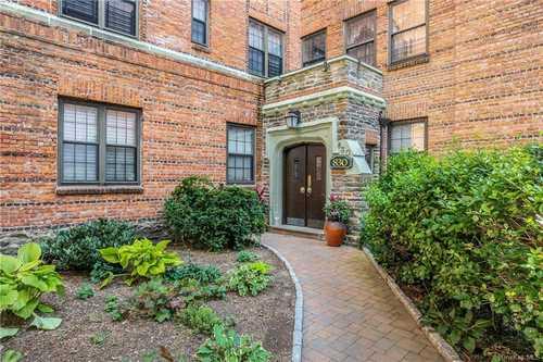 $215,000 - 2Br/1Ba -  for Sale in Bronxville Ridge, Yonkers