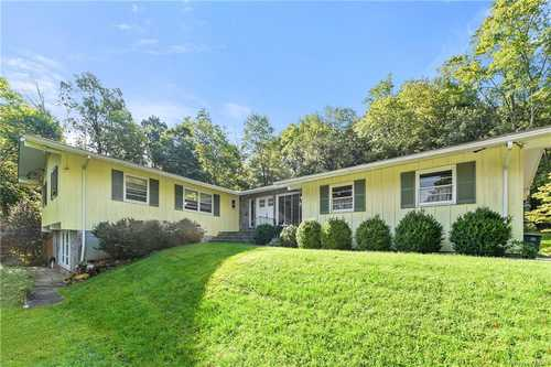 $935,000 - 3Br/3Ba -  for Sale in Bedford