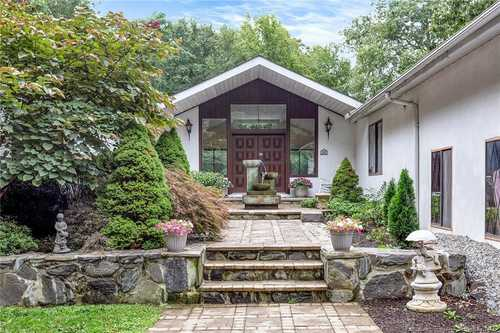 $995,000 - 5Br/4Ba -  for Sale in Pound Ridge