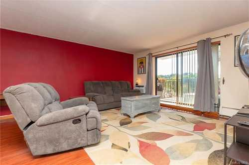 $149,000 - 1Br/1Ba -  for Sale in Diplomat Towers, Mount Kisco