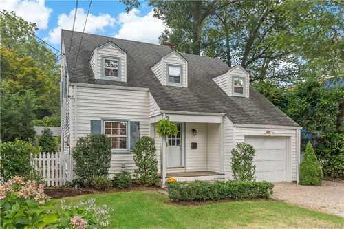 $749,500 - 3Br/2Ba -  for Sale in Scarsdale