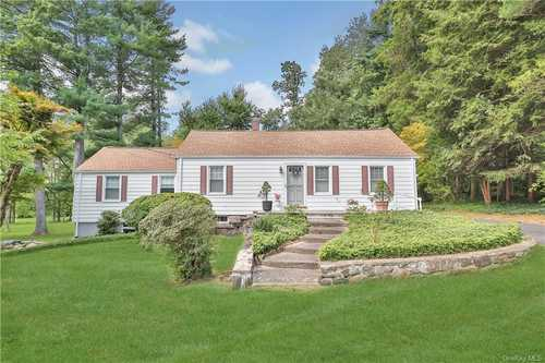 $895,000 - 3Br/2Ba -  for Sale in North Castle