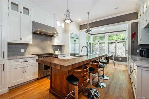 $1,825,000 - 4Br/4Ba -  for Sale in Greenburgh