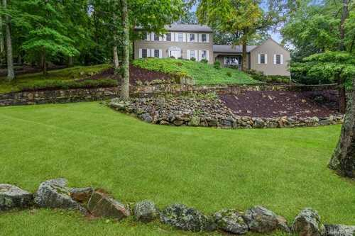 $1,199,000 - 4Br/3Ba -  for Sale in New Castle