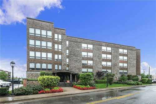 $860,000 - 2Br/2Ba -  for Sale in River House, Mount Pleasant