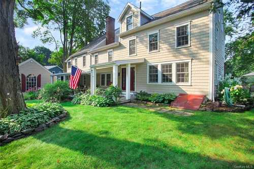 $1,075,000 - 5Br/5Ba -  for Sale in Mount Pleasant