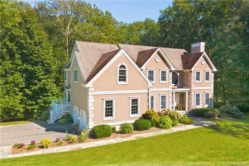 $1,225,000 - 4Br/4Ba -  for Sale in Michelle Estates, Lewisboro