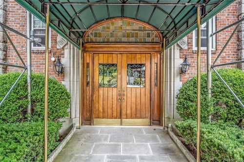 $299,000 - 1Br/1Ba -  for Sale in Bronxville Chateau, Yonkers