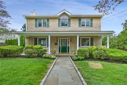 $995,000 - 3Br/3Ba -  for Sale in Eastchester
