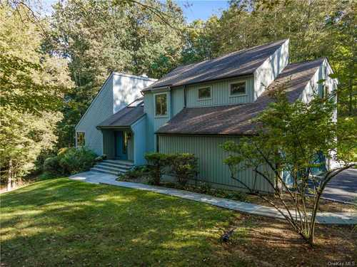 $1,195,000 - 4Br/5Ba -  for Sale in New Castle
