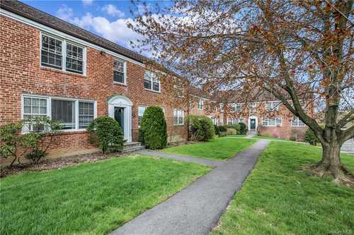 $215,000 - 2Br/1Ba -  for Sale in White Plains Manor, White Plains