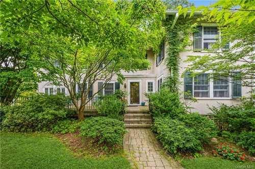 $1,500,000 - 5Br/4Ba -  for Sale in Scarsdale