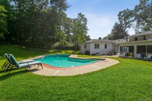 $1,395,000 - 5Br/4Ba -  for Sale in Greenburgh