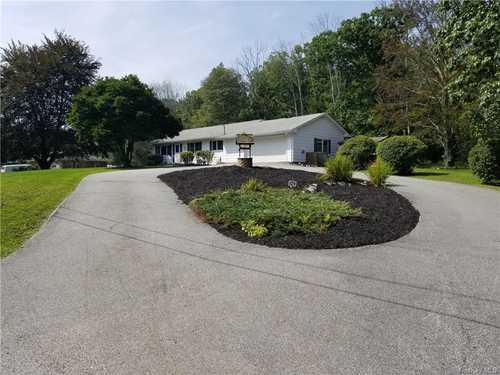 $349,900 - 3Br/2Ba -  for Sale in Wallkill