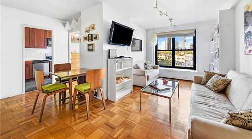 $699,000 - 2Br/1Ba -  for Sale in Clinton Hill Co-ops - No, Brooklyn
