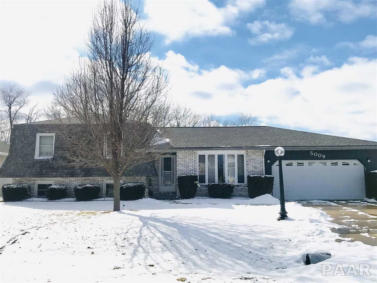 $164,900 - 4Br/2Ba -  for Sale in Lake Camelot, Mapleton