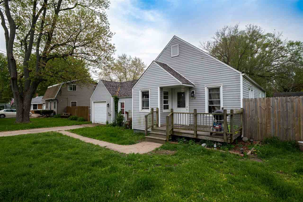 $64,900 - 2Br/1Ba -  for Sale in Hendryx Manor, Peoria