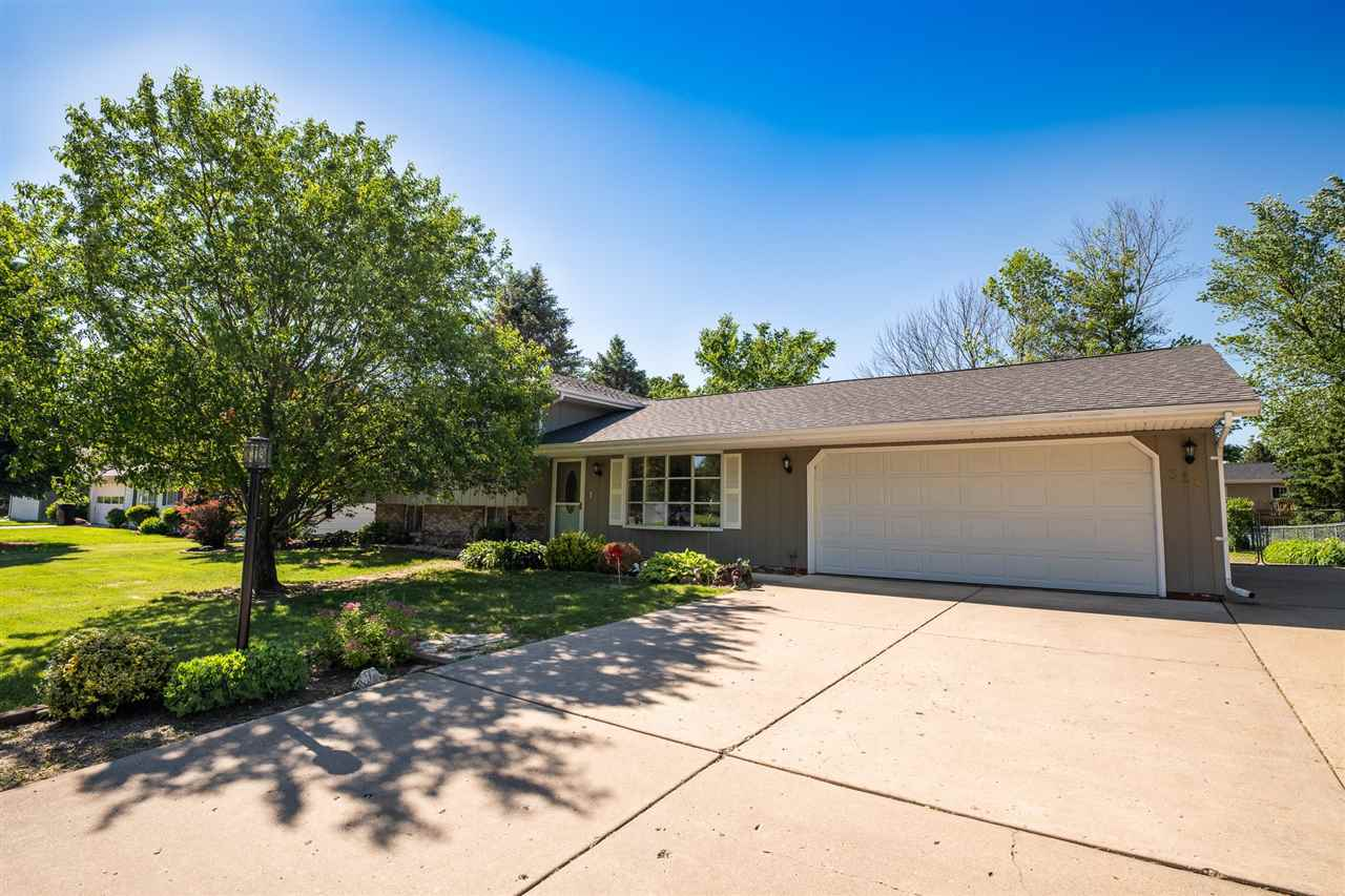 $149,900 - 3Br/2Ba -  for Sale in Fondulac Heights, East Peoria