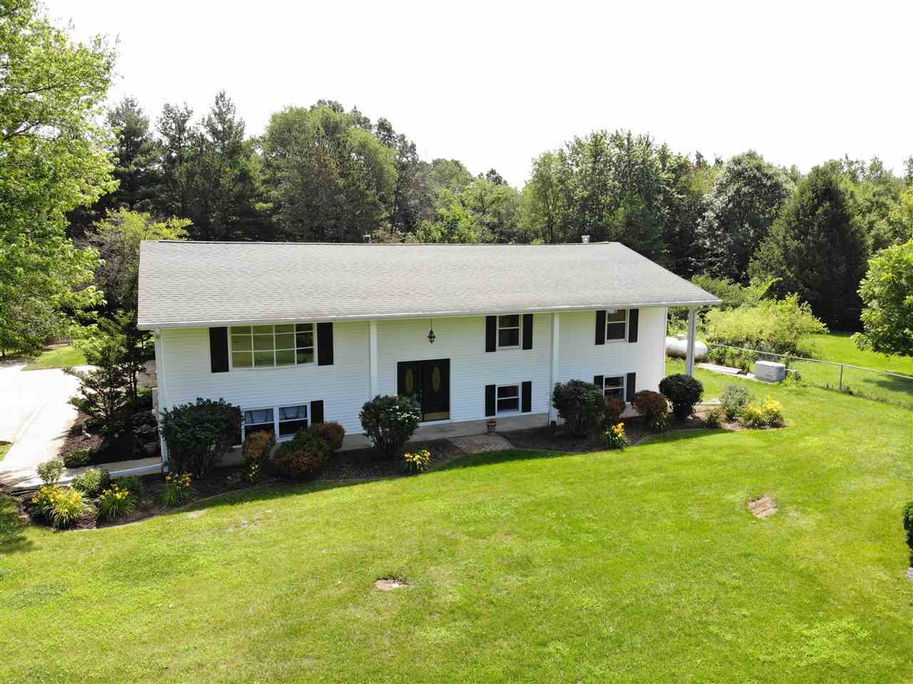 $268,000 - 3Br/3Ba -  for Sale in Jubilee Hills, Brimfield