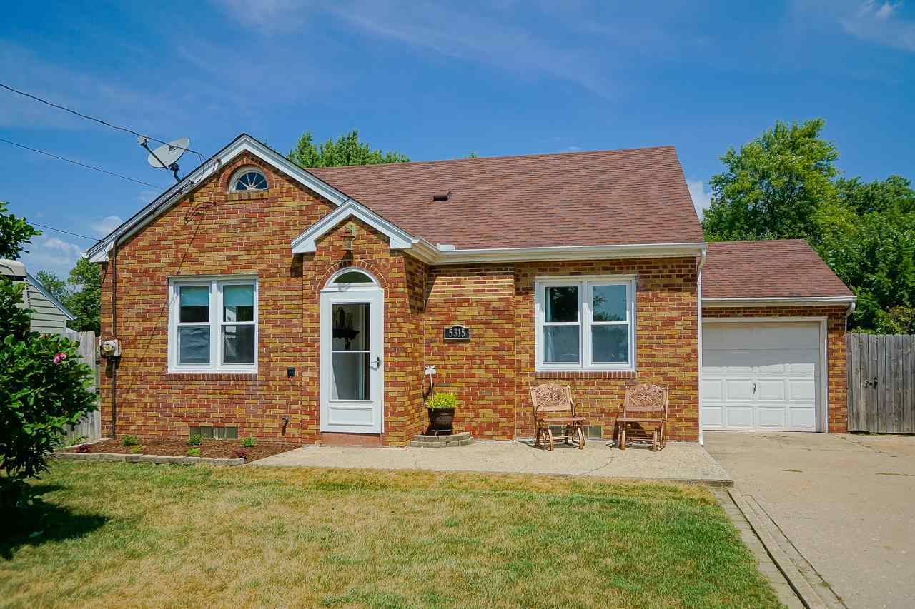 $114,900 - 3Br/2Ba -  for Sale in Hickory Ridge, Bartonville