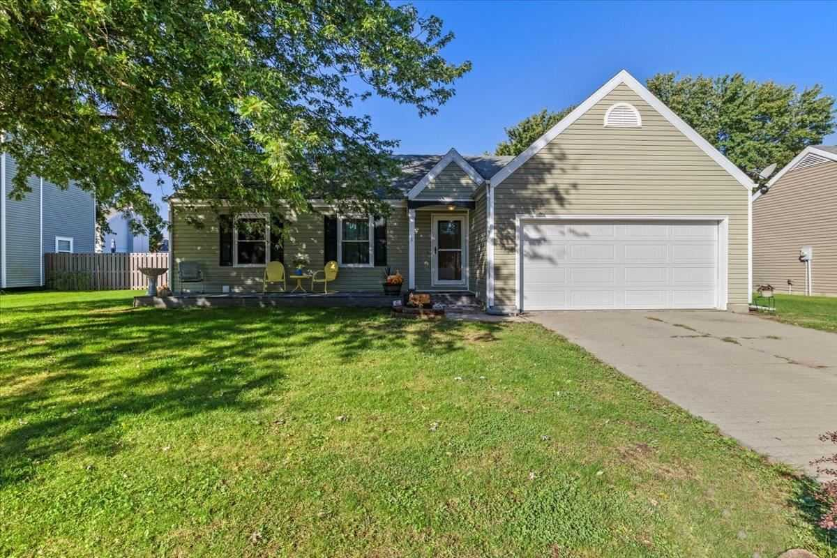 $159,900 - 3Br/2Ba -  for Sale in Windrow New Berlin, New Berlin