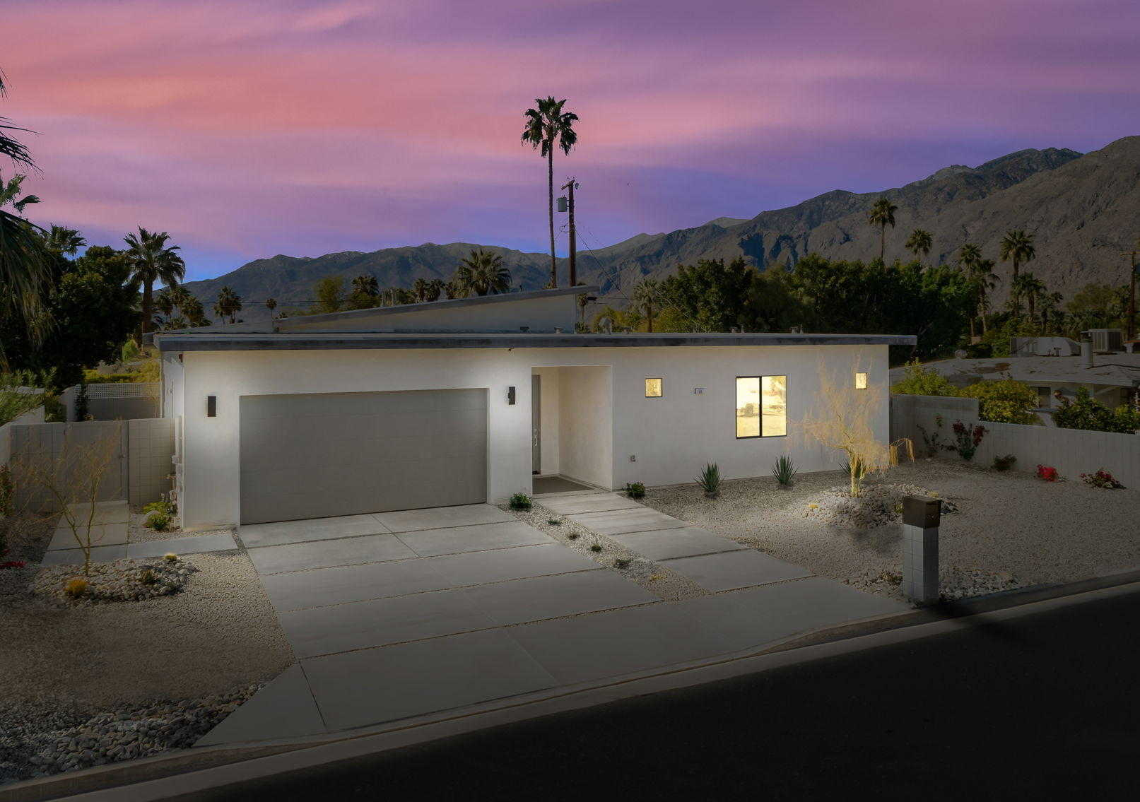 $998,000 - 3Br/4Ba -  for Sale in Movie Colony East, Palm Springs