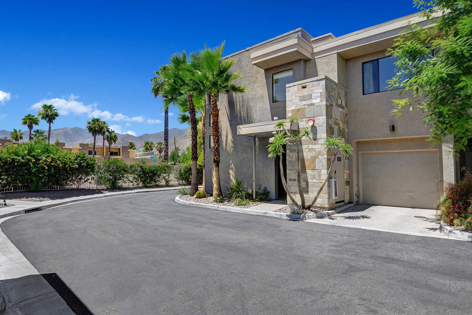 $385,000 - 2Br/2Ba -  for Sale in Biltmore Colony, Palm Springs