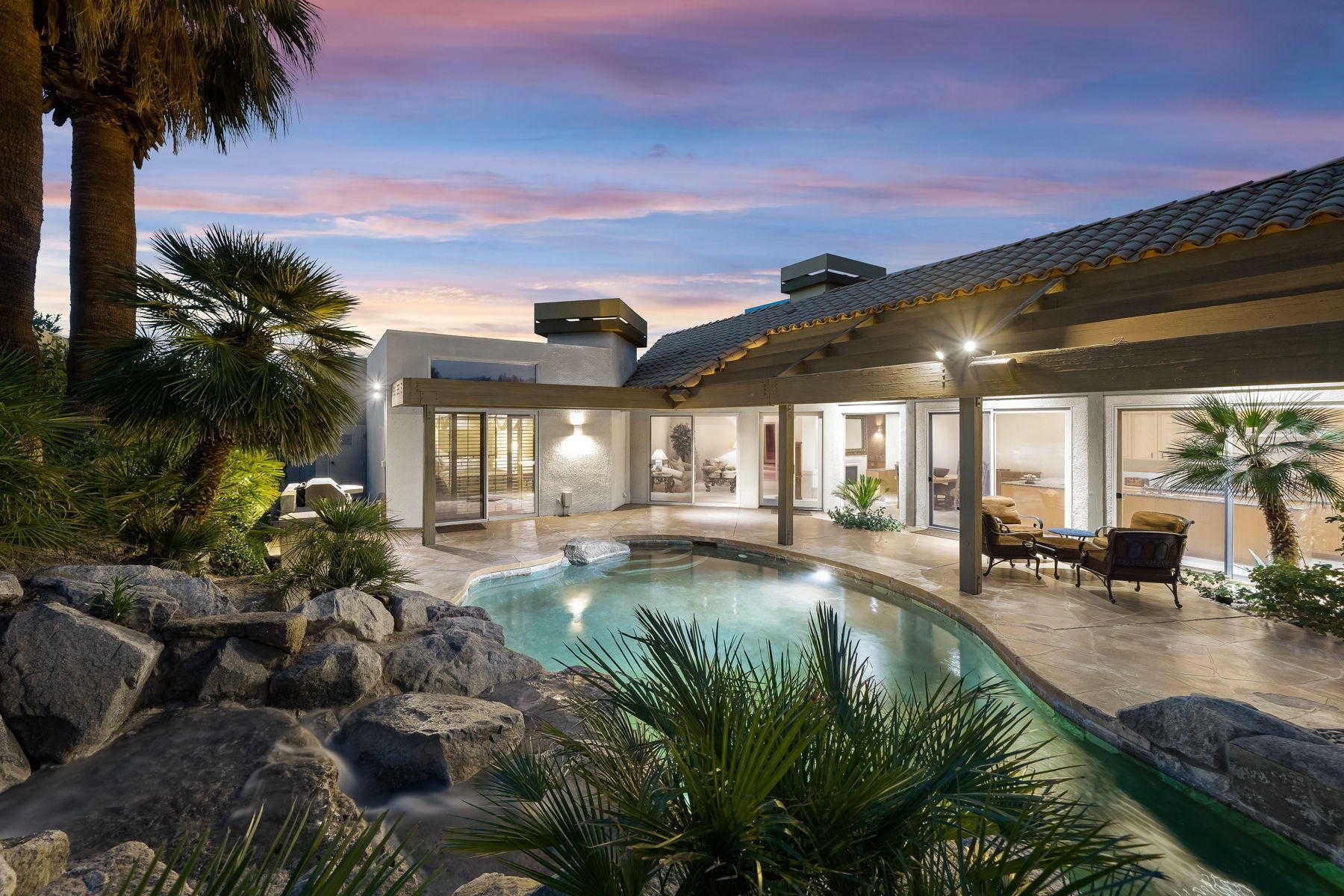 $950,000 - 2Br/3Ba -  for Sale in The Quarry, La Quinta