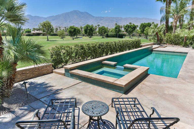 $1,050,000 - 4Br/5Ba -  for Sale in Pga Legends, La Quinta