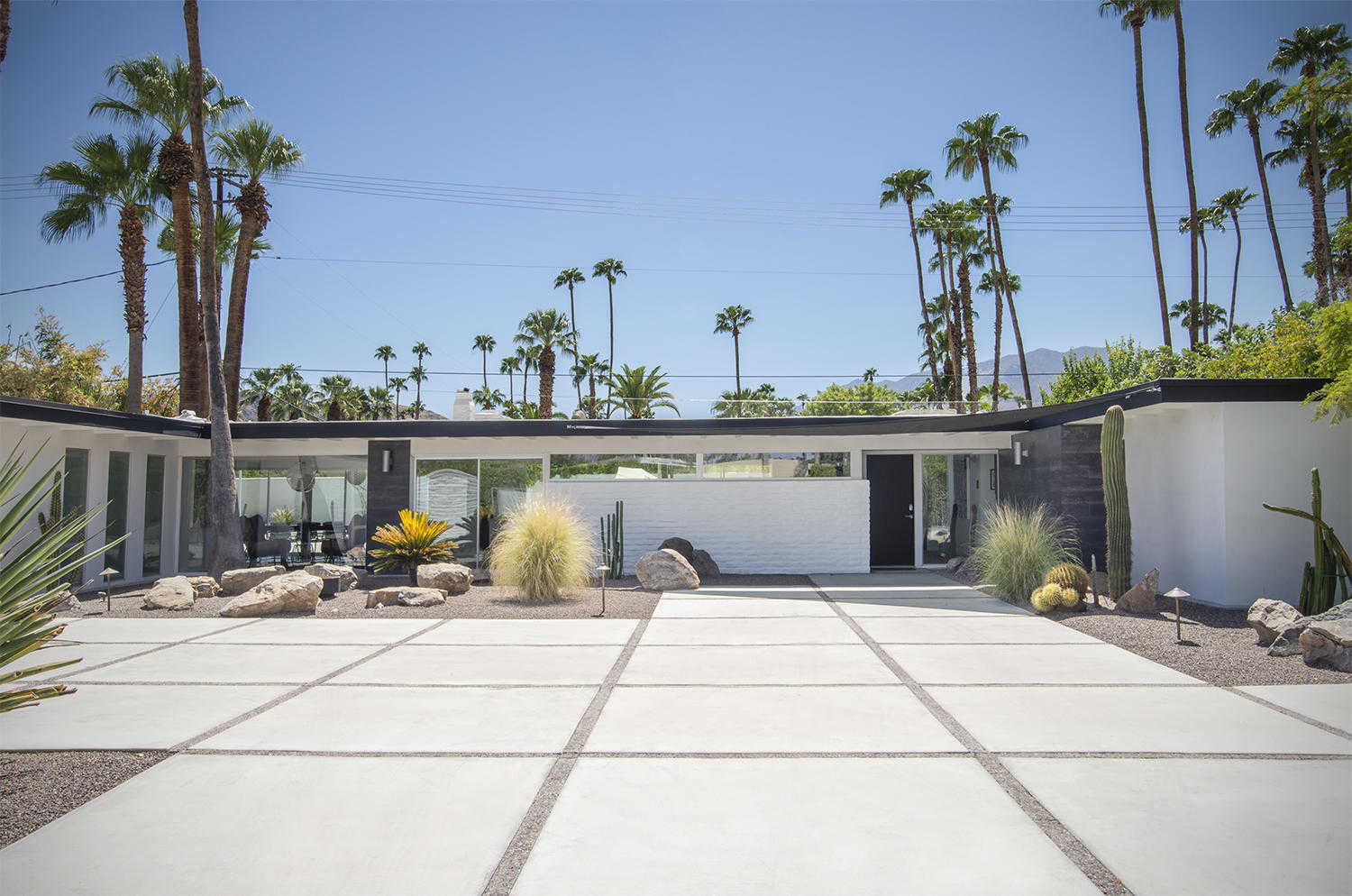$2,195,000 - 4Br/4Ba -  for Sale in Deepwell, Palm Springs