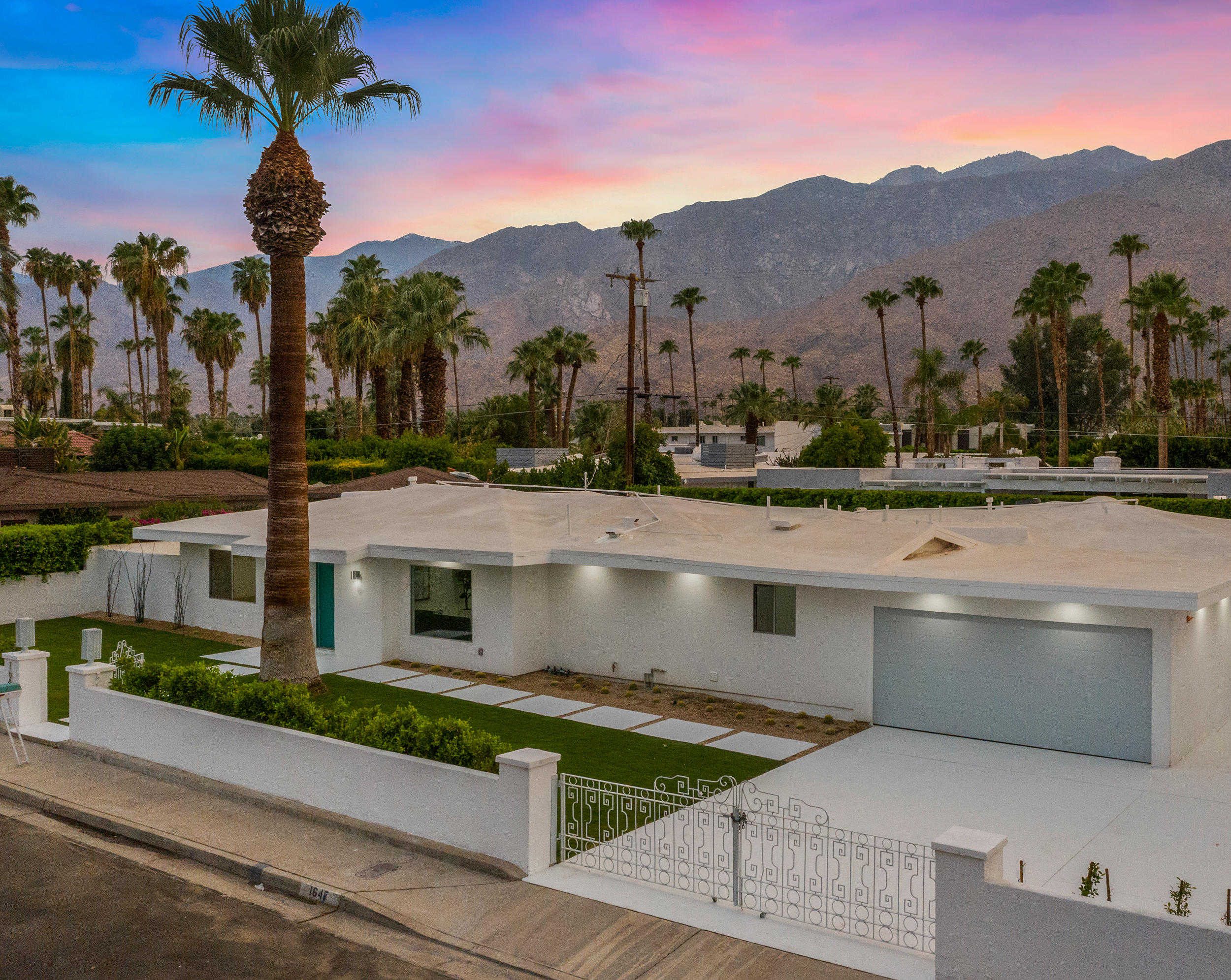 $1,375,000 - 3Br/5Ba -  for Sale in Deepwell, Palm Springs