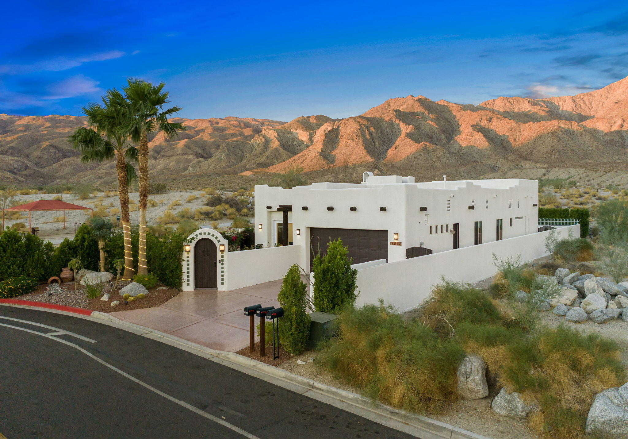 $860,000 - 3Br/2Ba -  for Sale in La Quinta Cove, La Quinta