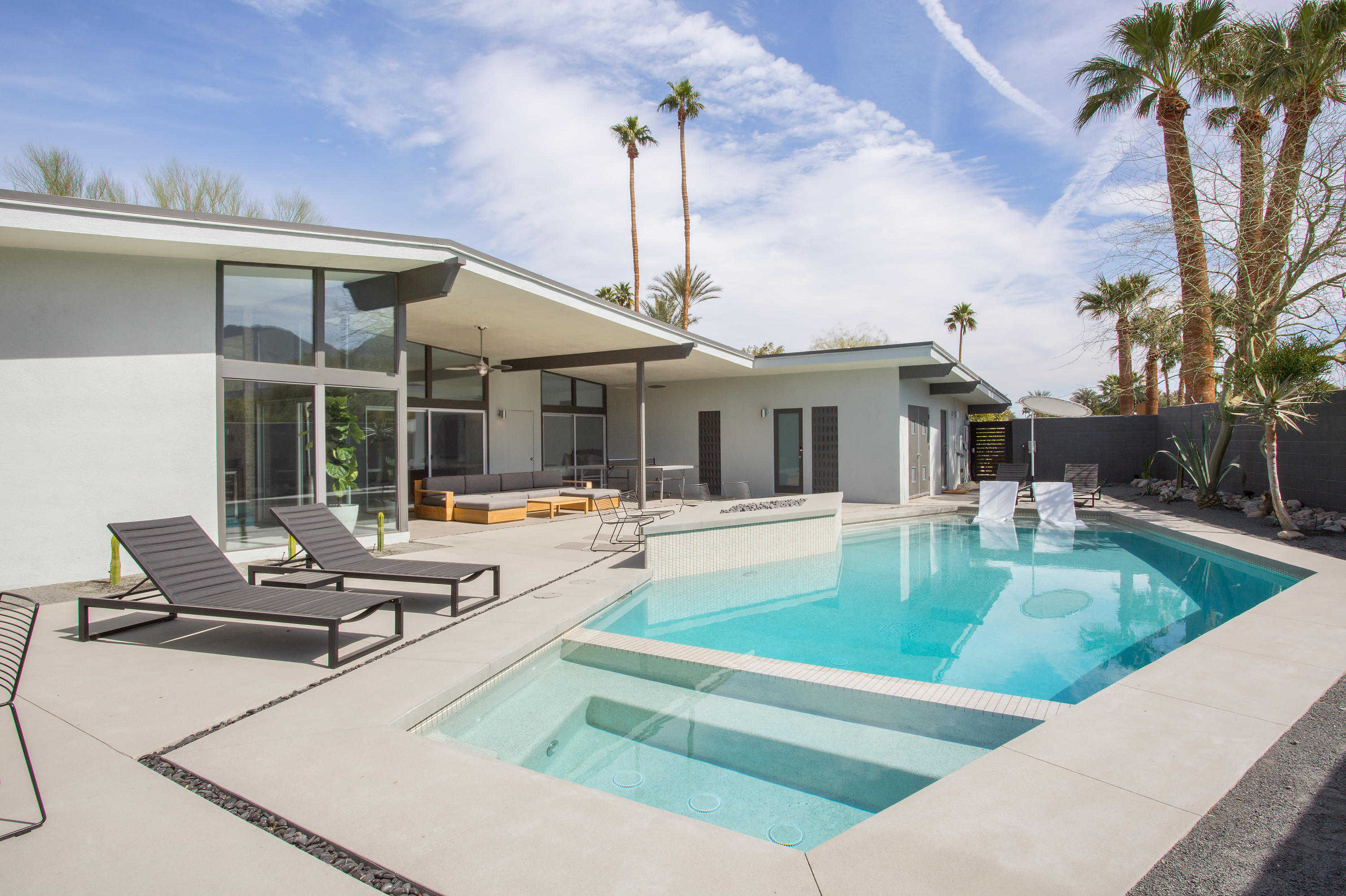 $1,500,000 - 4Br/4Ba -  for Sale in Not Applicable, Palm Desert