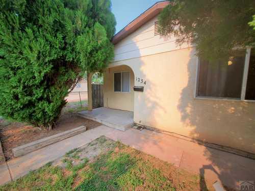 $159,000 - 2Br/1Ba -  for Sale in Central High School, Pueblo