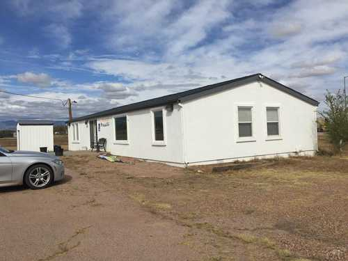 $300,000 - Br/Ba -  for Sale in West Of Pueblo County, Penrose