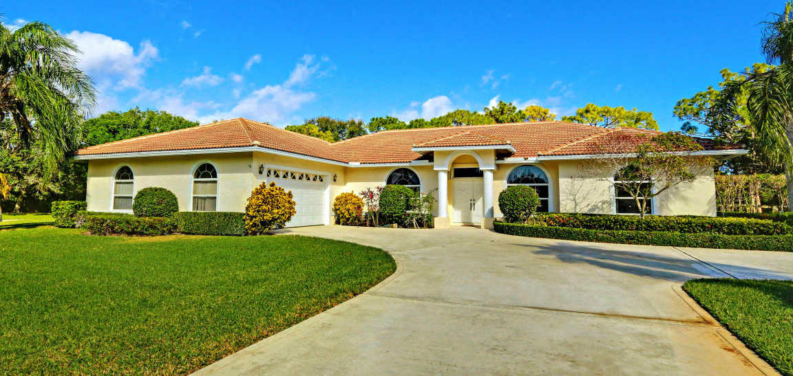 $735,000   4Br/4Ba   For Sale In Steeplechase / Horseshoe Acres West, Palm Great Pictures