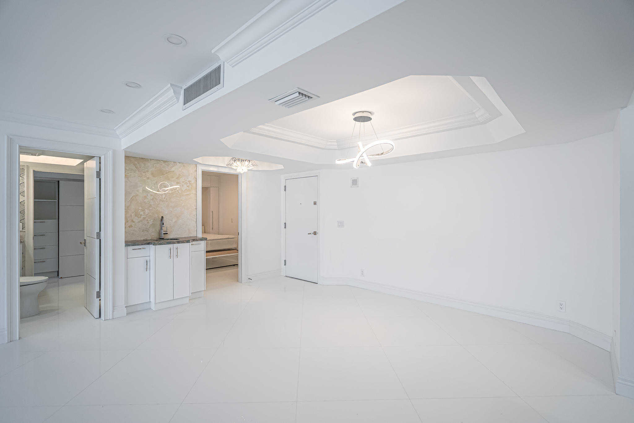$750,000 - 3Br/3Ba -  for Sale in Dune Deck Of The Palm Beaches Condo, South Palm Beach