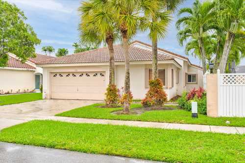 $535,000 - 4Br/2Ba -  for Sale in Silver Lakes At Pembroke Pines Residential Parcel, Pembroke Pines