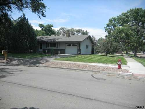$414,900 - 3Br/2Ba -  for Sale in Harding's 2nd Add, Canon City
