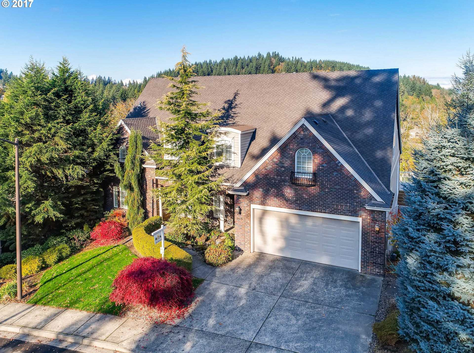 $899,900 - 5Br/5Ba -  for Sale in Persimmon Country Club, Gresham