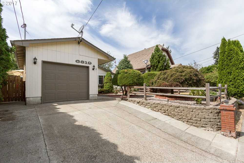 $307,000 - 3Br/2Ba -  for Sale in Lents, Portland