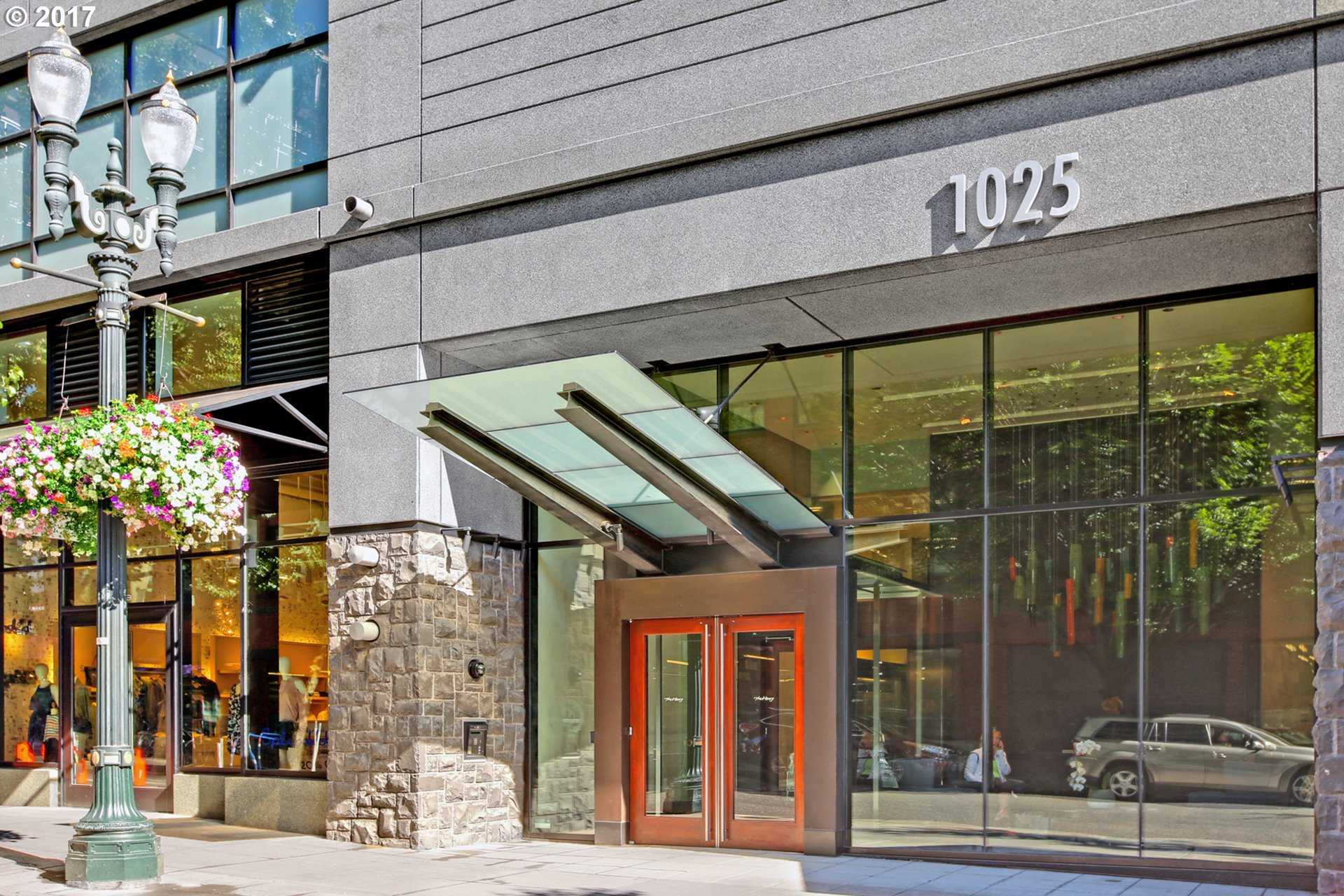 $1,250,000 - 2Br/2Ba -  for Sale in Pearl District / The Henry, Portland