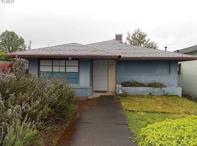 $187,500 - 1Br/3Ba -  for Sale in Estacada