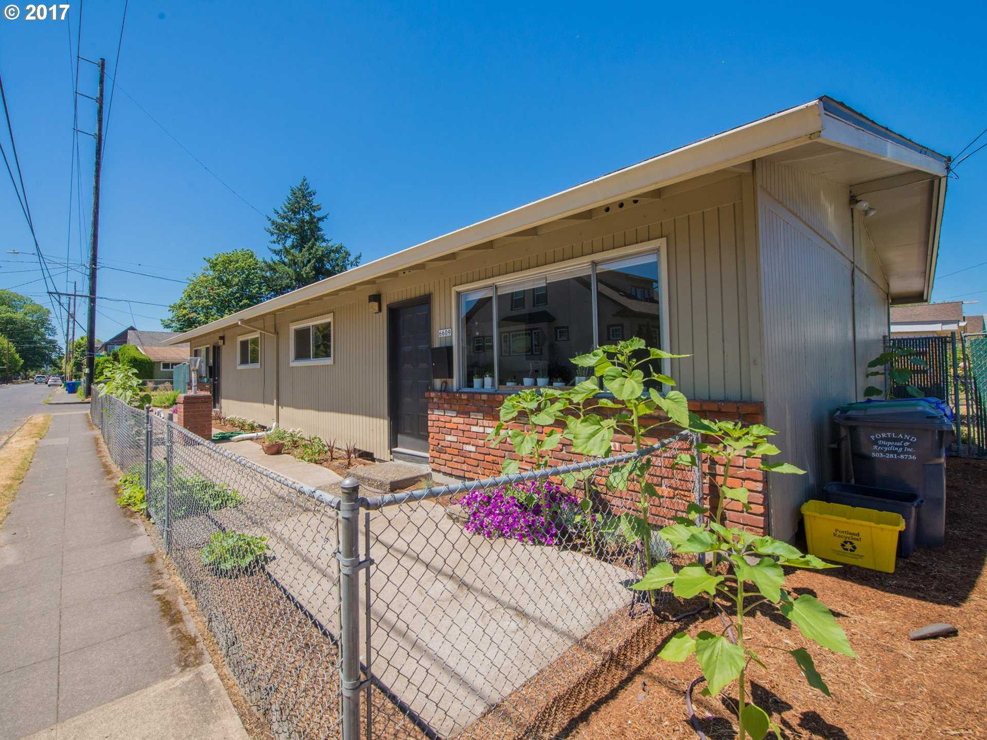 $460,000 - Br/Ba -  for Sale in Foster-powell, Portland