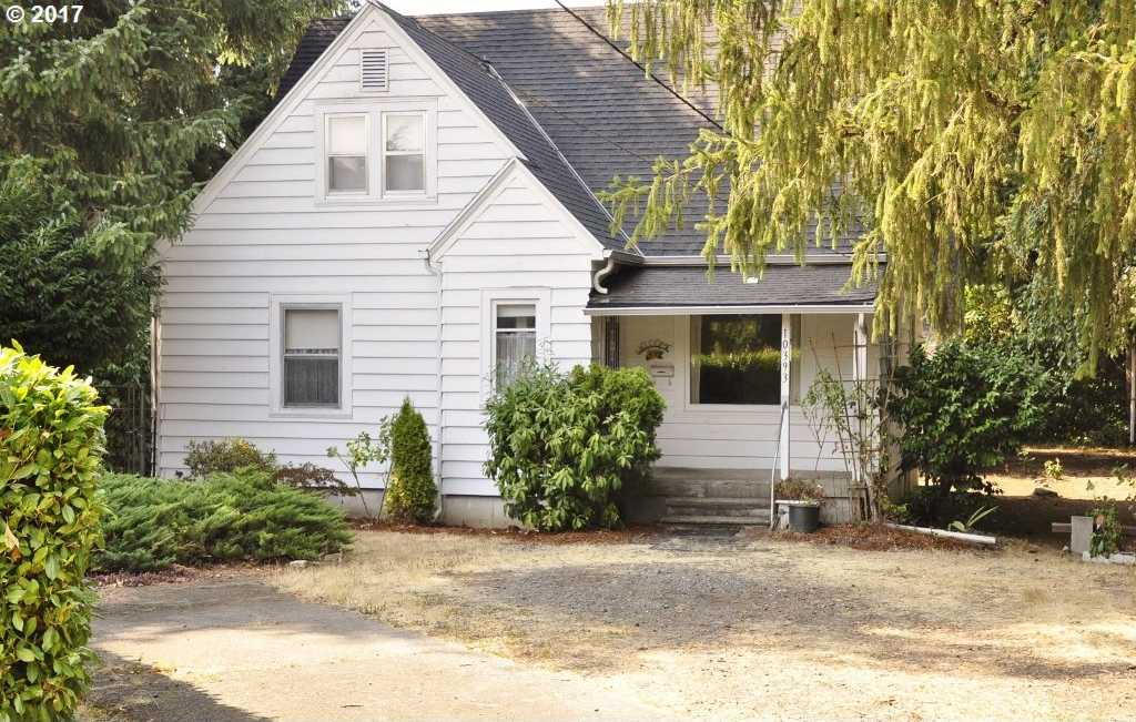 $349,000 - 4Br/2Ba -  for Sale in Milwaukie