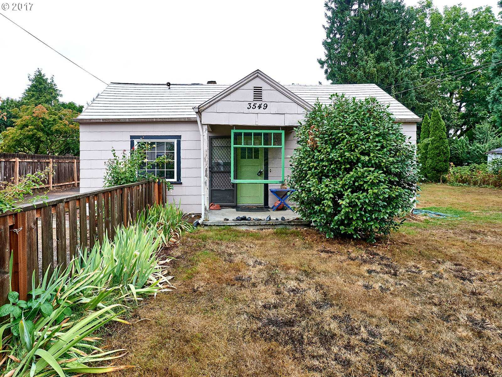 $340,000 - 3Br/2Ba -  for Sale in Milwaukie