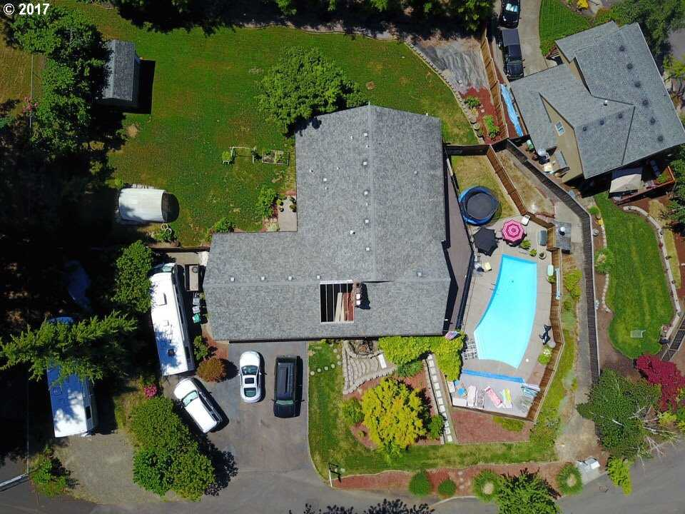 $899,999 - 4Br/4Ba -  for Sale in Tigard