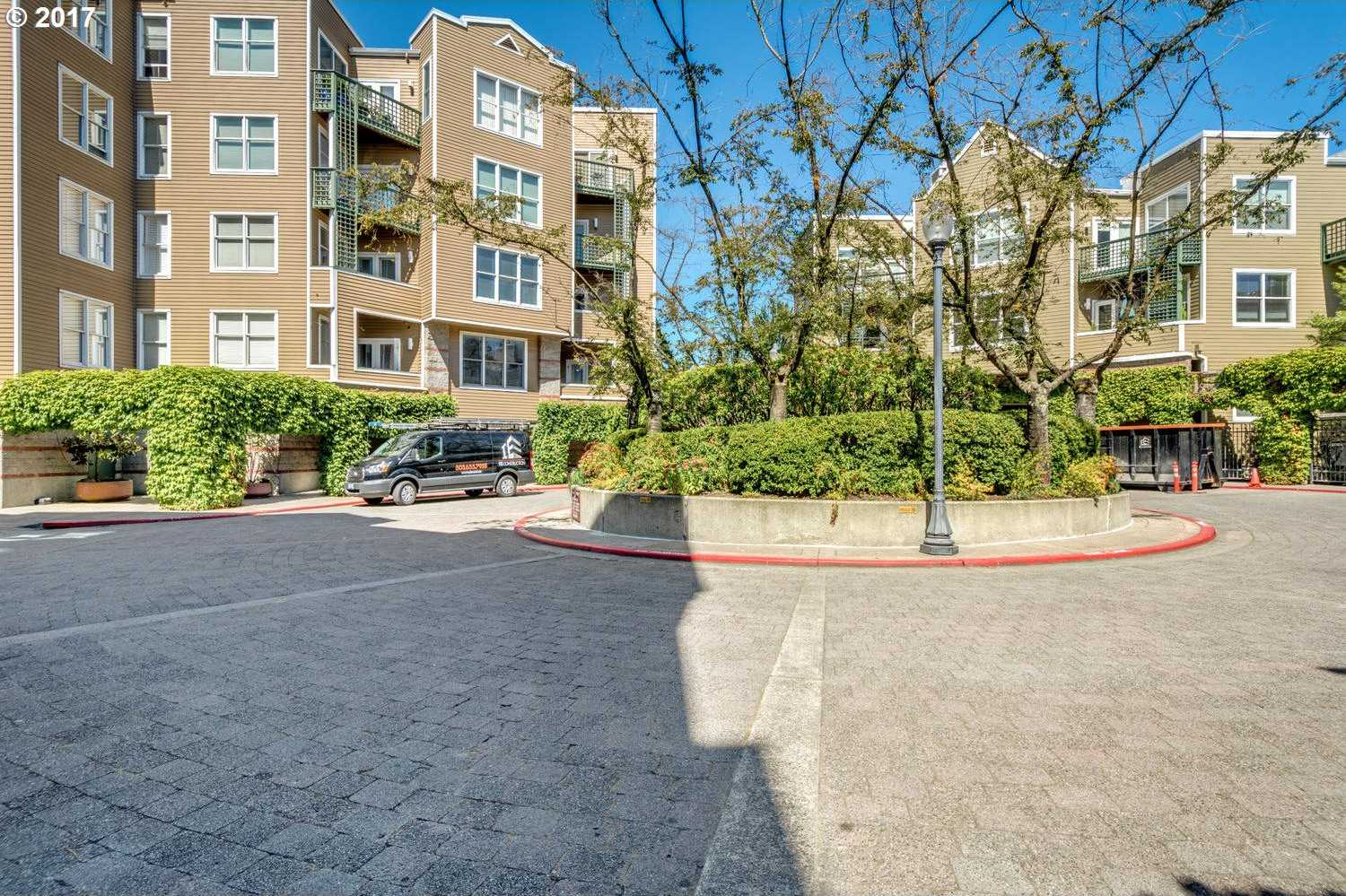 $395,000 - 1Br/1Ba -  for Sale in Riverplace, Downtown Pdx, Portland