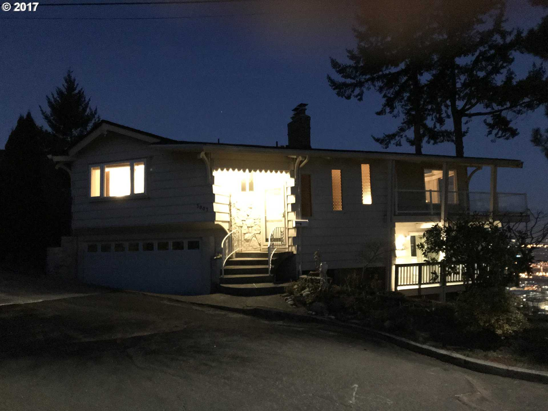 $1,000,000 - 3Br/3Ba -  for Sale in Kings Heights, Portland